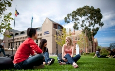澳大利亚阿德莱德大学附中— 全国视频直播课